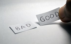 Two stickers reading Good and Bad to signify good and bad affiliate programs and networks