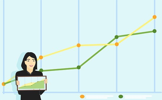 drawing of lady holding a website with traffic graph and one another behind her for 4 keys to get website traffic for your mlm business